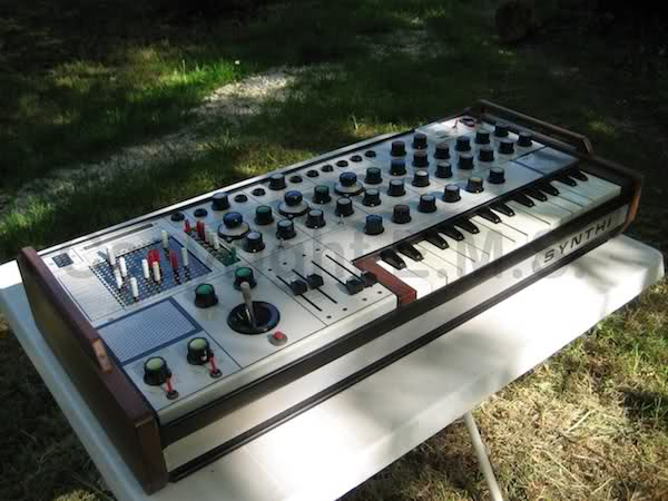 Electronic Music Studio Ltd (E.M.S)  1zl5e010