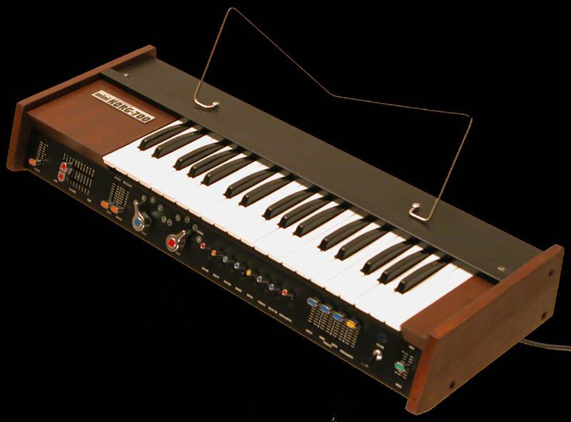 Korg, introduction et les années analogiques Korg-k12