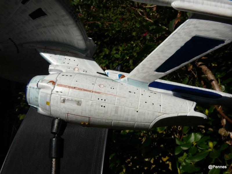 USS Enterprise Refit 1/1000 de chez Polarlight 410