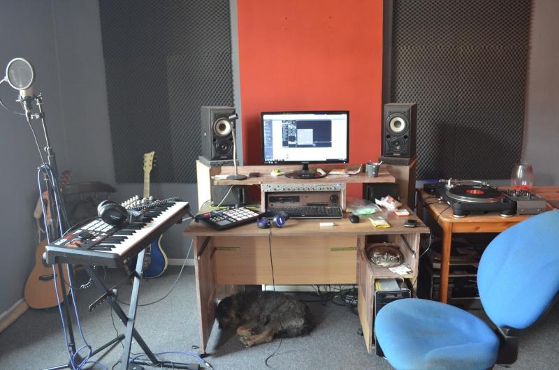 Photos de votre home studio - Page 25 Dsc_0011
