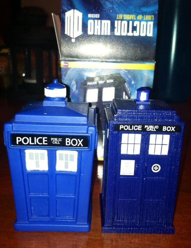 Miniture collectible Dalek & Book / Tardis & Book Photo10