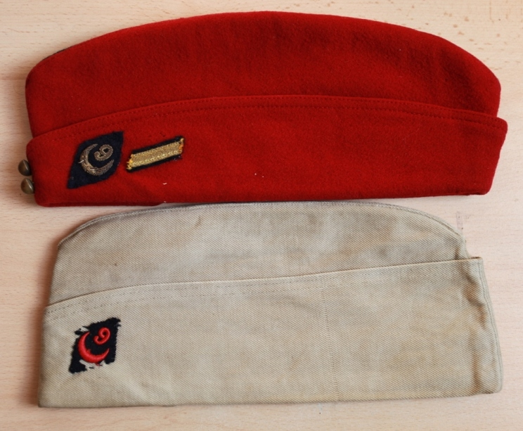 Les bonnets de police - Page 3 Yjgtft10