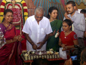 அபிராமி ராமநாதன் 65 வது பிறந்த நாள் - திரையுலகினர் வாழ்த்து 26-abh10