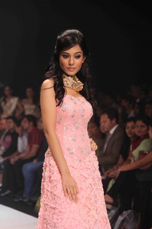 Amrita Rao Rwalk at Iijw Photo Gallery Amrita13