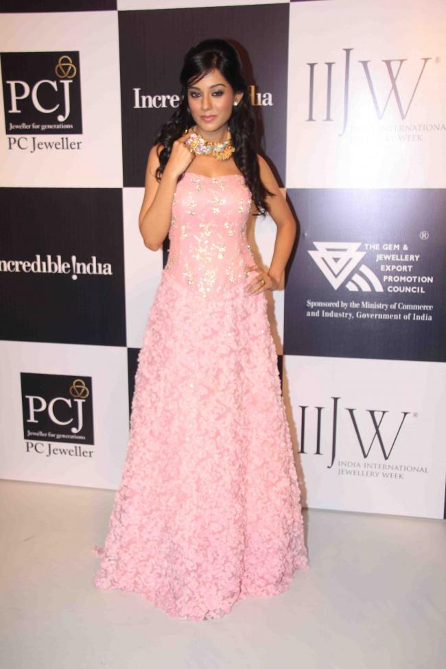 Amrita Rao Rwalk at Iijw Photo Gallery Amrita16
