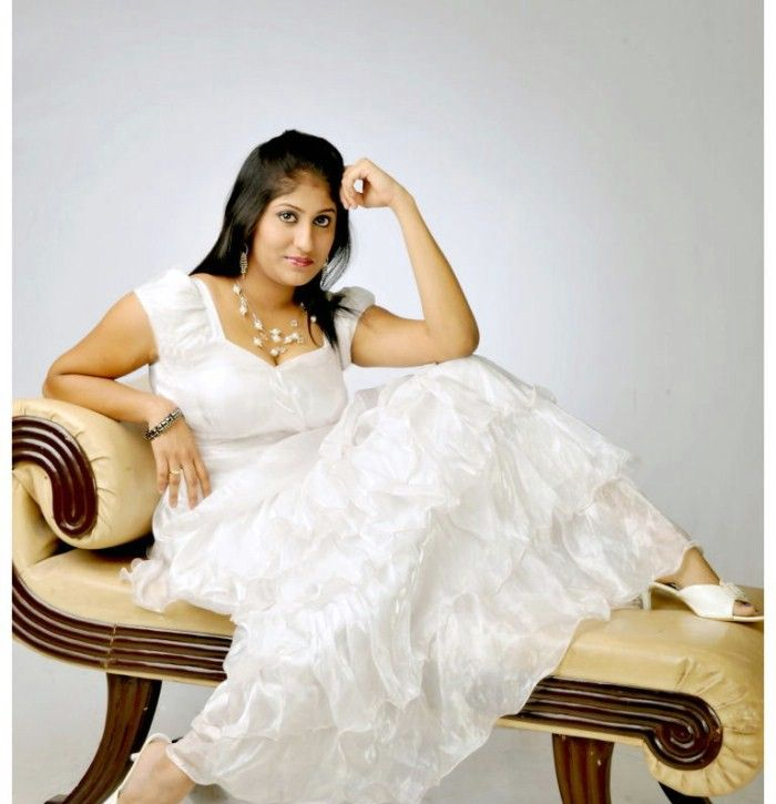 Ashi (Telugu Actress) Photo Gallery Ashi_t19