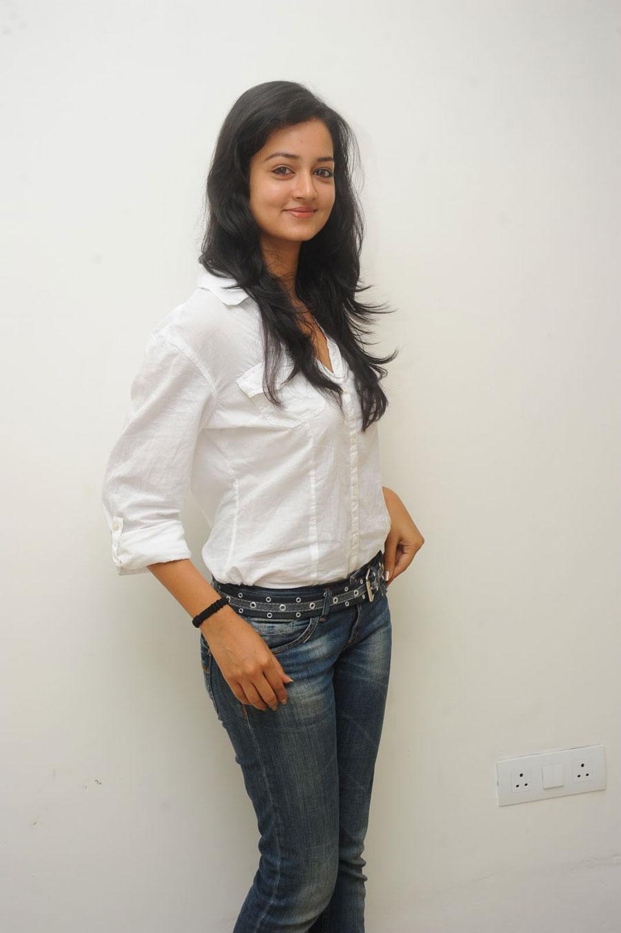 Shanvi Shoot in Adda Press Meet Photo Gallery - Page 2 Sanvi-26