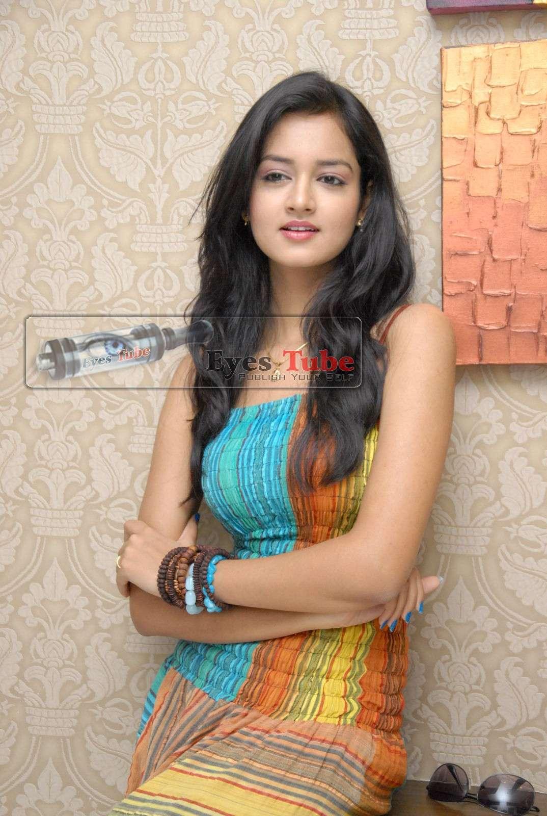 Shanvi Lovely Heroine Beautiful Photoshoot Shanvi22