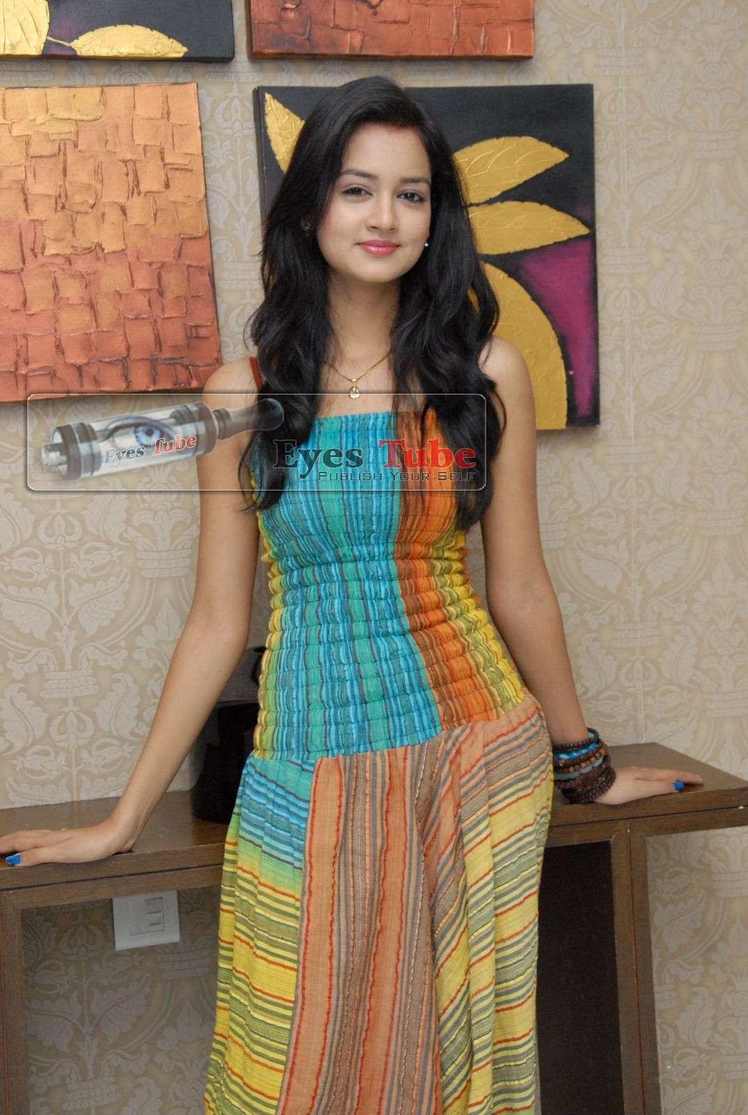 Shanvi Lovely Heroine Beautiful Photoshoot Shanvi24