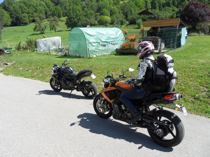 Deux TnT en balade dans les cols des Alpes Sdc14112