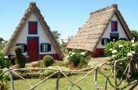 Des maisons Portugaises semblables o village d´Astérix. 9_200x10