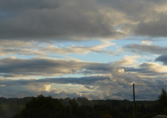 je lis dans les nuages - Page 2 Nuages10