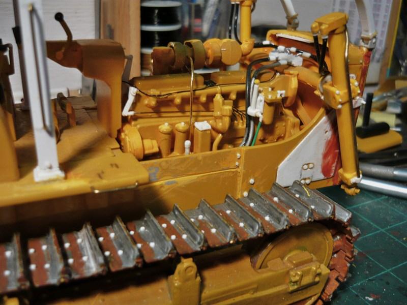 Caterpillar D8 remit à jour P1110055