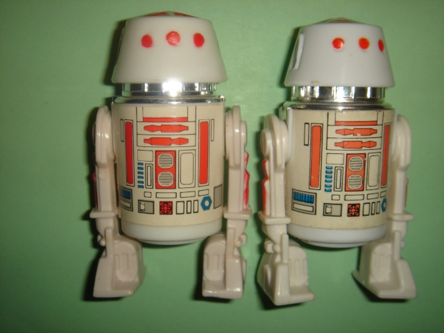 How Rare is the R5-D4 with the extra red bar? - Page 2 Dsc03110