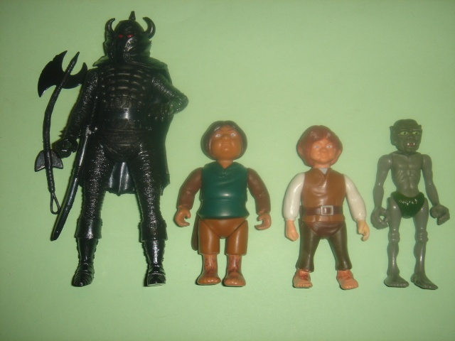 Does anyone else collect Knickerbocker's 1979 Lord of The Rings figures ? Dsc09410