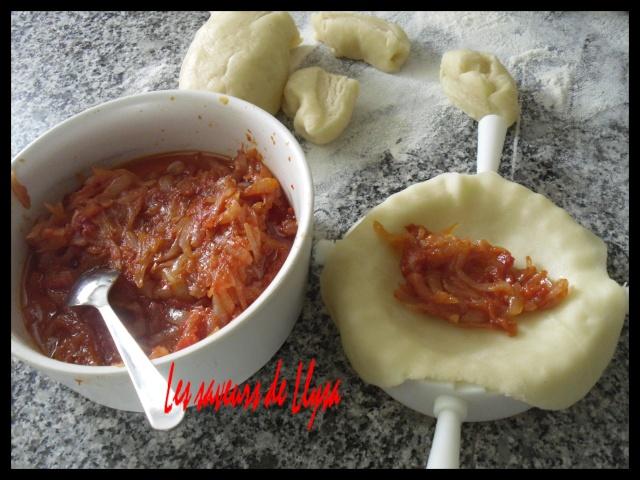 Empénadas aux oignons et tomates  Cocas_11