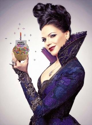 Lana Parilla ( The Evil Queen, Regina Mills) Cupcak11
