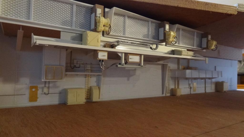 Porte-aéronefs de pure invention au 1/72° Dsc07016