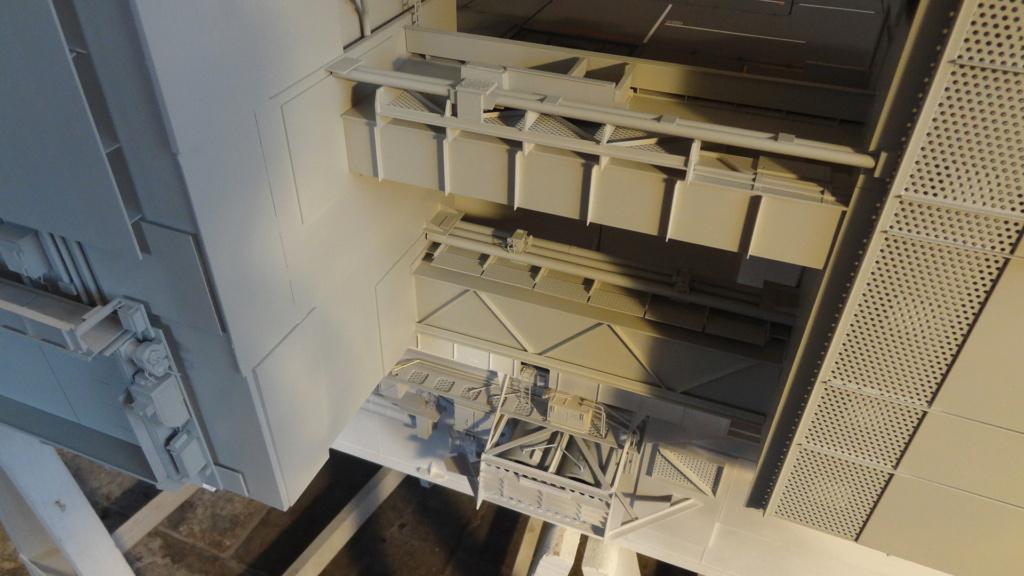 Porte-aéronefs de pure invention au 1/72° - Page 4 Dsc07820