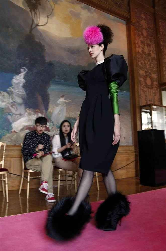 Paris fashion goes WACKY! Shoes10