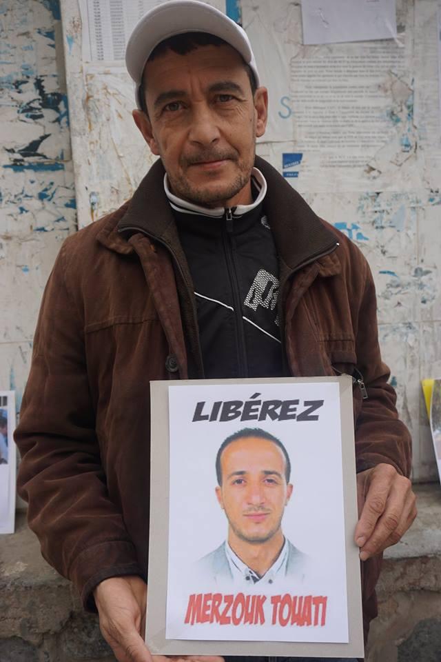 Rassemblement pour la libération de Merzouk Touati et tous les détenus d'opinion à Aokas le samedi 24 novembre 2018 à 10 h 30 1050