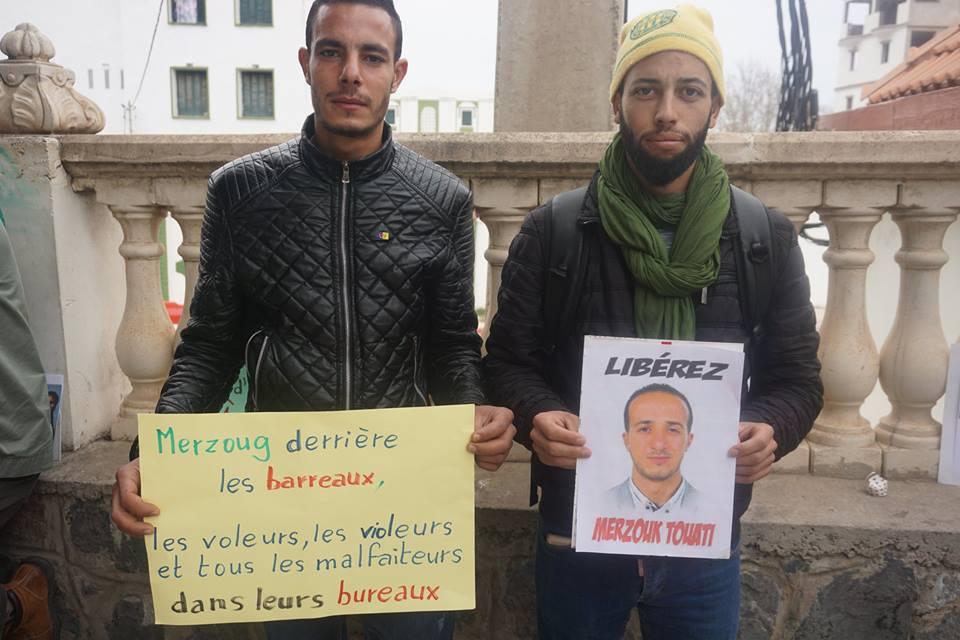 Rassemblement pour la libération de Merzouk Touati et tous les détenus d'opinion à Aokas le samedi 24 novembre 2018 à 10 h 30 - Page 2 1063