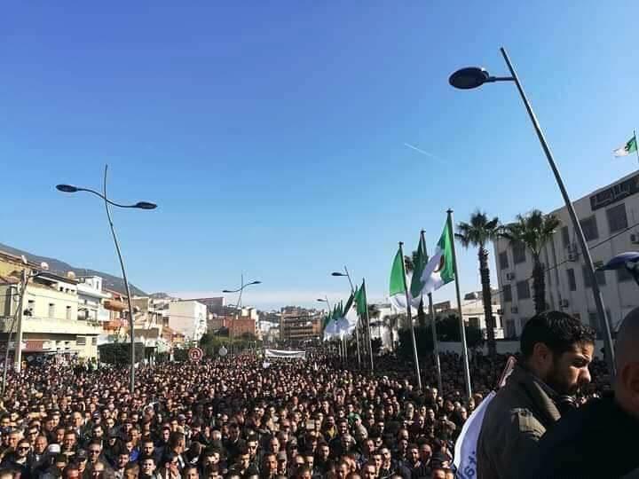 Marche populaire le Mardi 11 Décembre 2018, à Bèjaia, contre le blocage de Cevital ! 2020