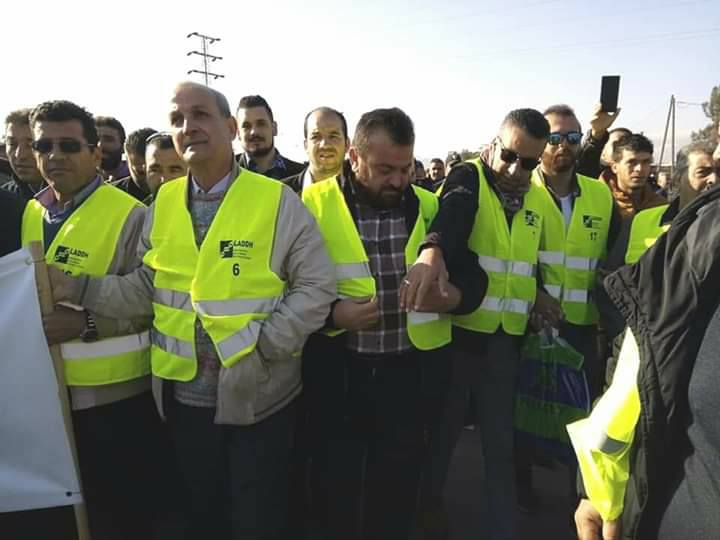 Béjaïa : une marée humaine dans la rue contre le blocage de Cevital le mardi 11 décembre 2018 2041
