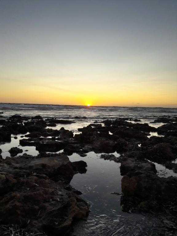 I tramonti più belli hanno bisogno di cieli nuvolosi. (Paulo Coelho)   20190715