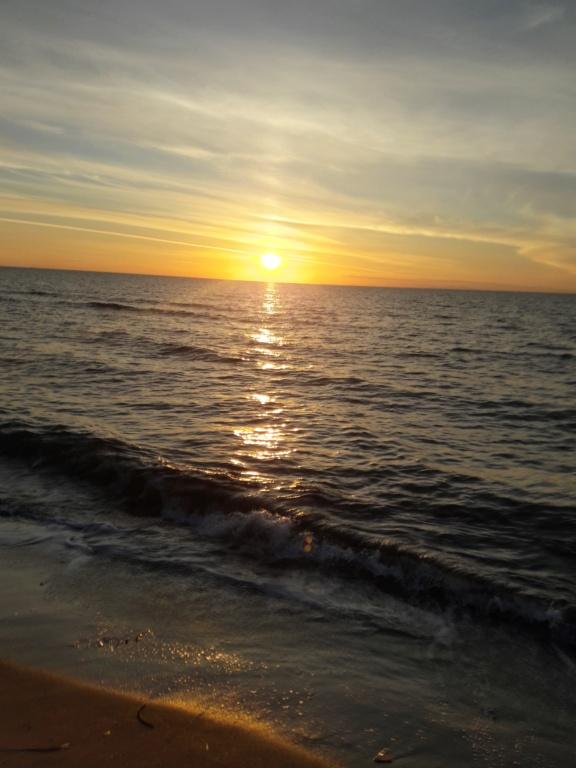 I tramonti più belli hanno bisogno di cieli nuvolosi. (Paulo Coelho)   20201124