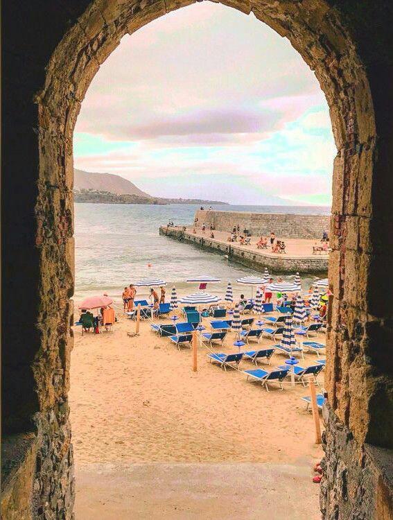 """Gallerie fotografiche : """"Finestra sul mare""""   3fefbb10"""