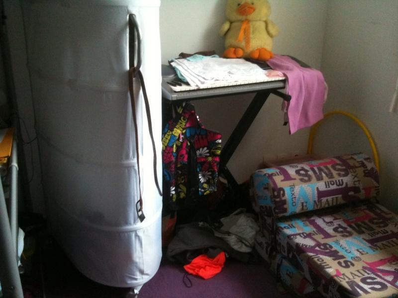 Une chambre bien triste Img_0513