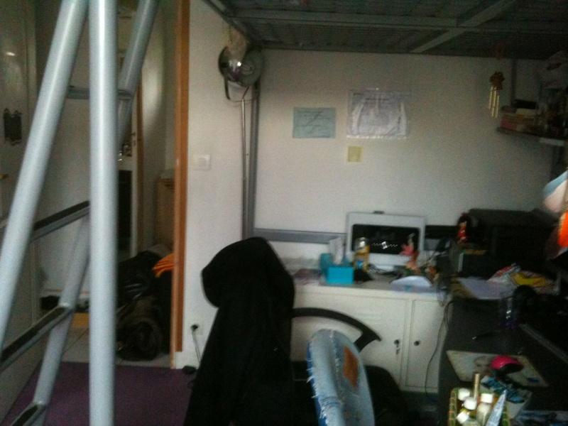Une chambre bien triste Img_0514