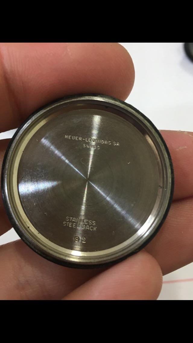 Heuer carrera chrono valjoux 92 60's (résolu )  E7768f10