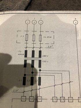 380 volts mais je n'ai que 3x220 en 3fils au compteur 12177510