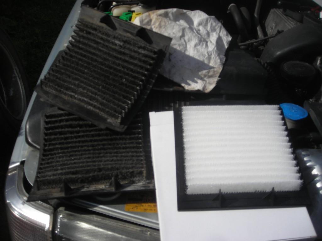 [TUTORIAL] Remplacement des filtres à pollen  Dscn4115