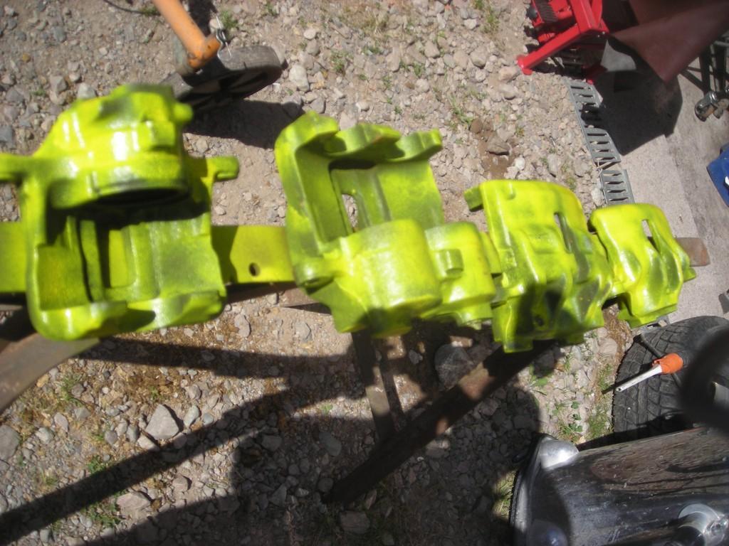 Comment rénover les étriers de freins sans huile de coude Dscn4314