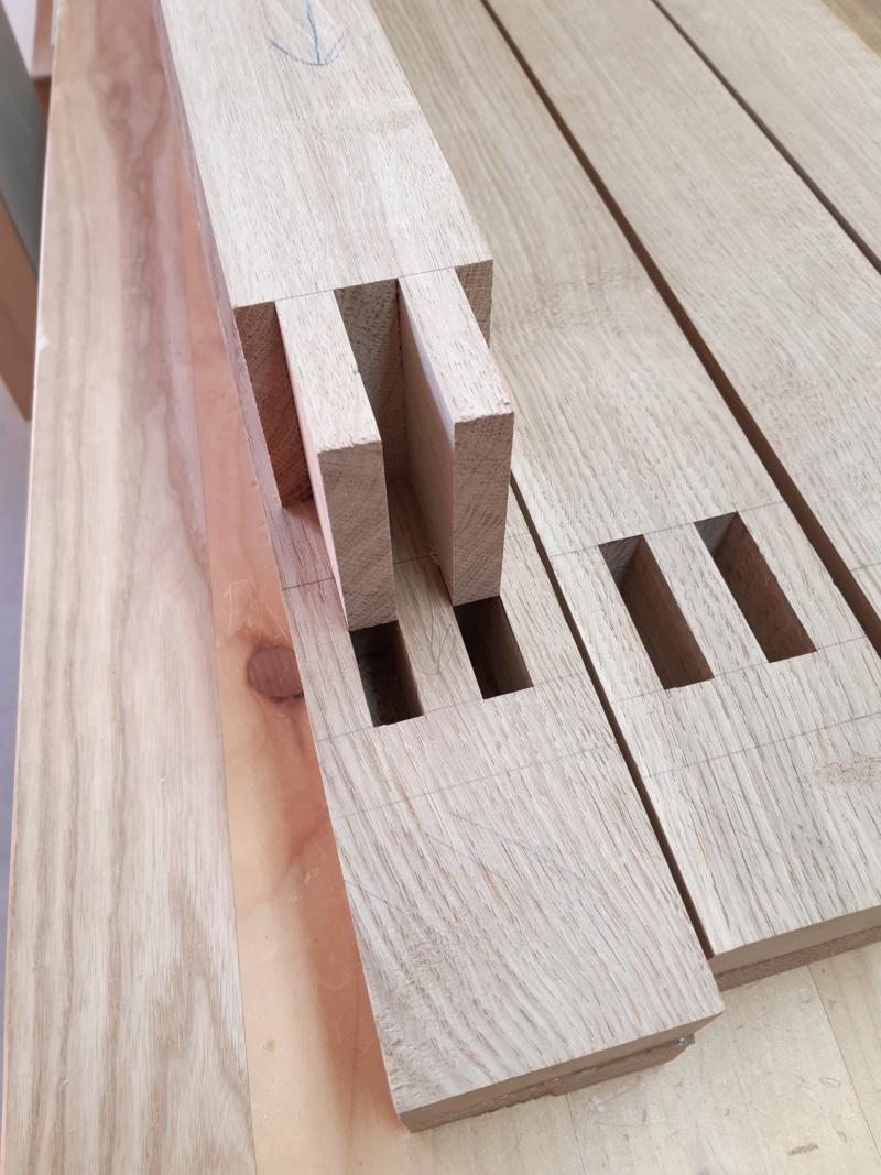 """Table """"flottante"""" façon Ishitani 20191232"""
