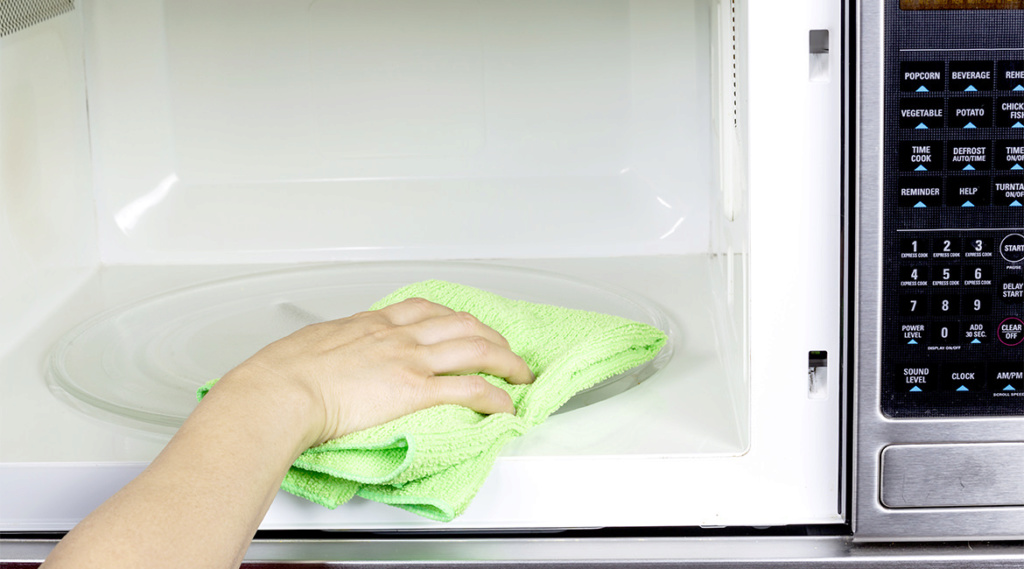 تخلص من رائحة الطعام المحروق داخل الميكروويف  336