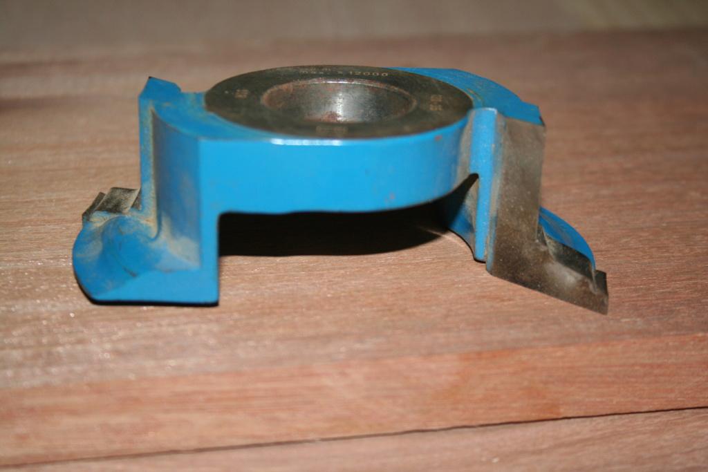 bridage de pièces à la toupie 00411