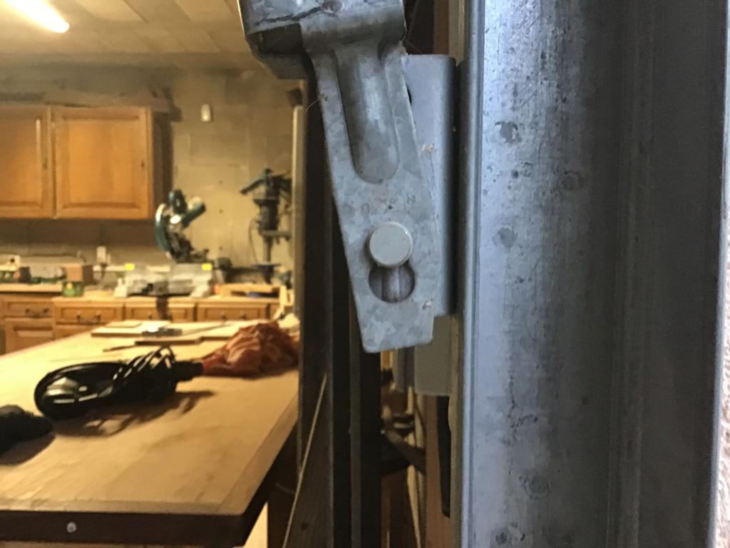 Probleme avec la porte basculante de l'atelier. - Page 2 07472b10