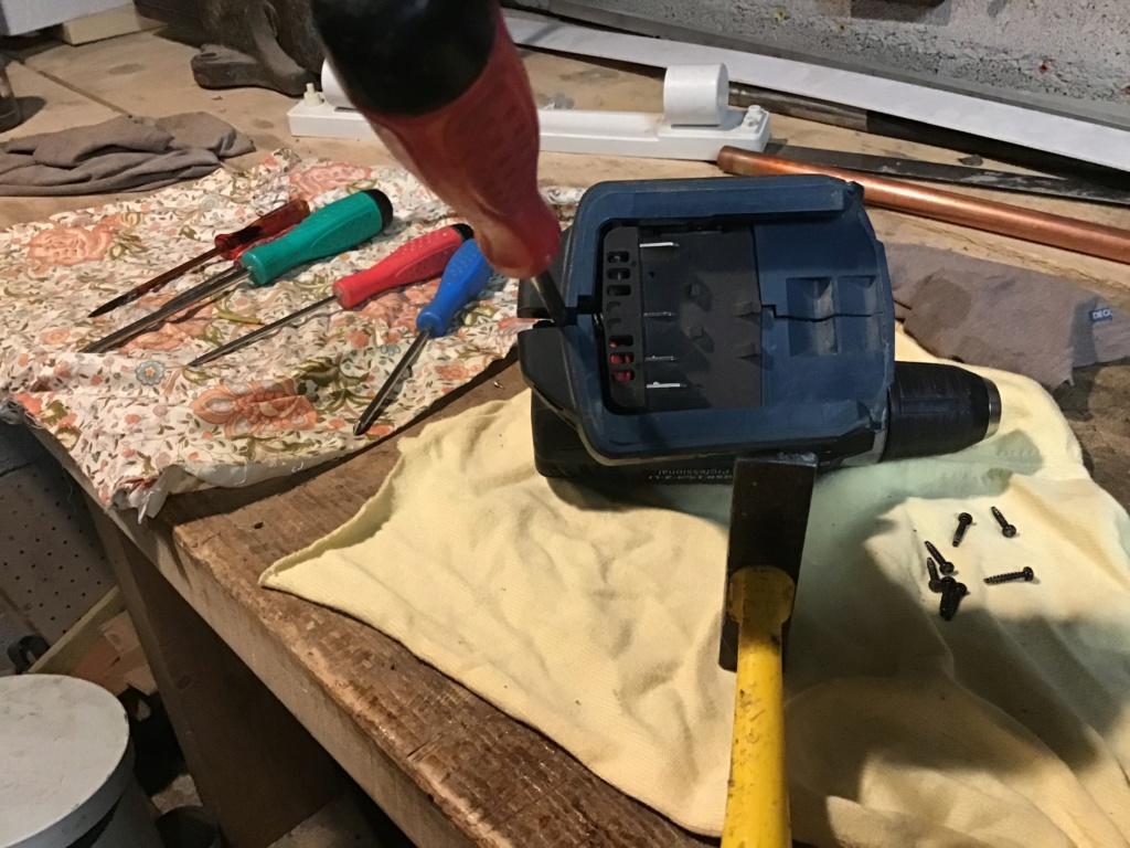 Démontage perceuse sans fil Bosch F28a1d10