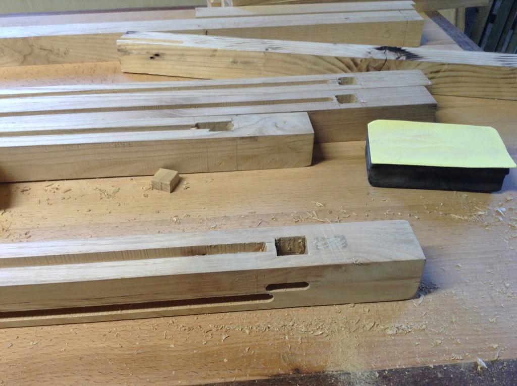 Pas à pas meuble à casiers en châtaignier  Image141