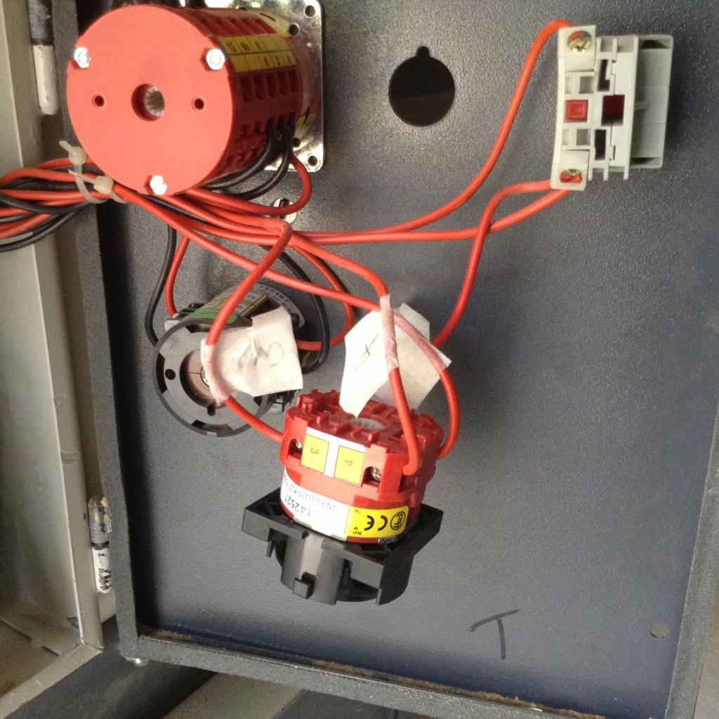 Problème électrique combiné - Page 3 Image206