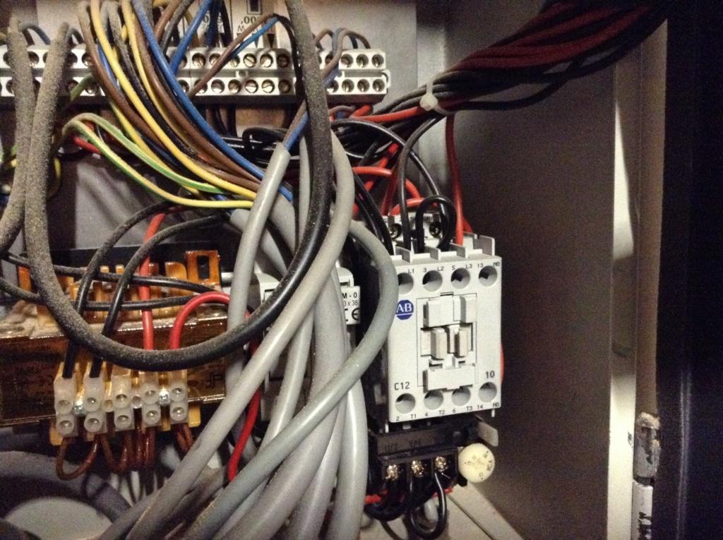 Problème électrique combiné - Page 5 Image224