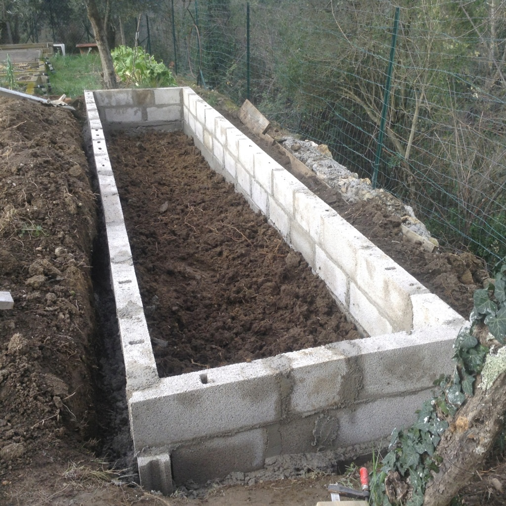 "Jardinage en permaculture ""lasagnes"" Image253"
