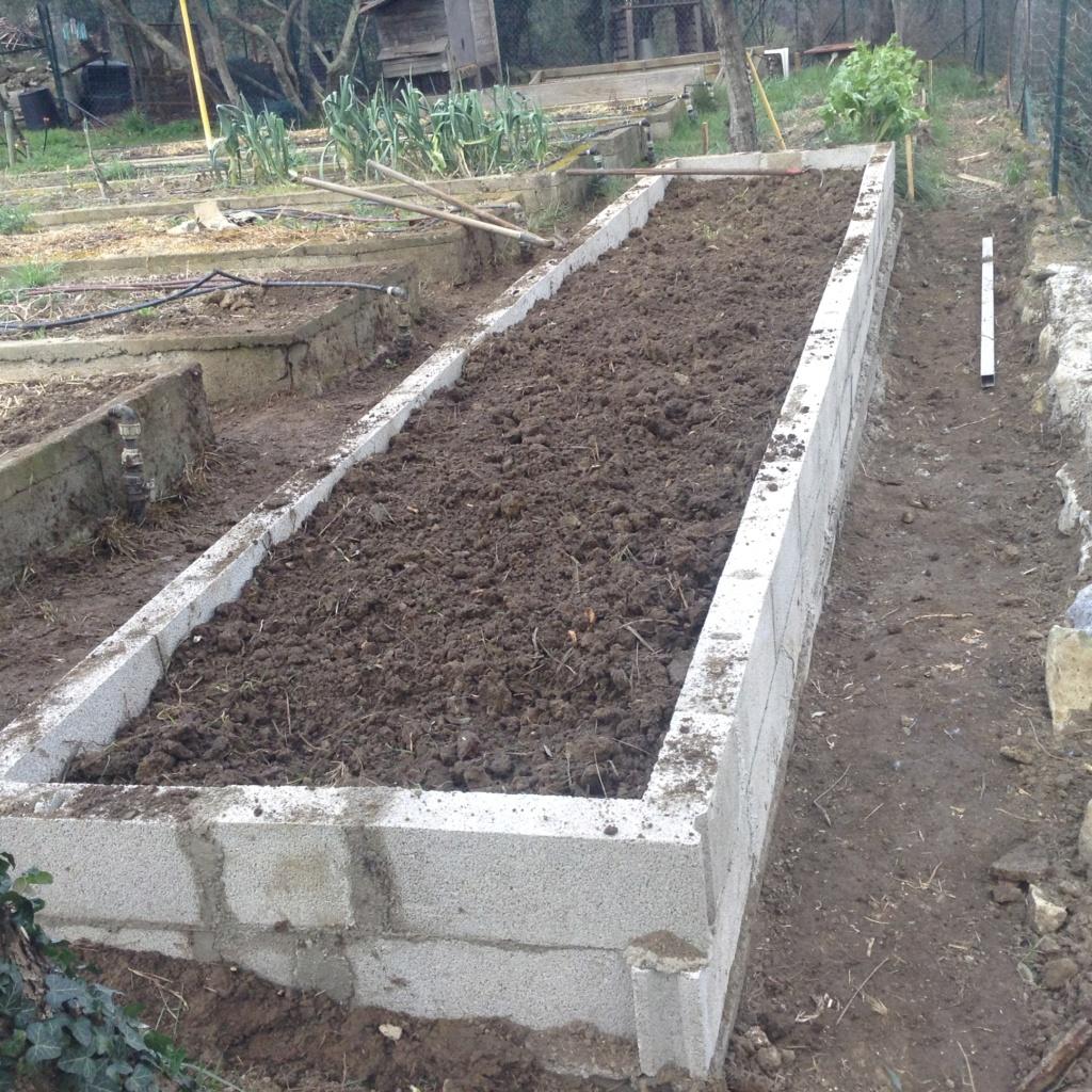"Jardinage en permaculture ""lasagnes"" Image257"