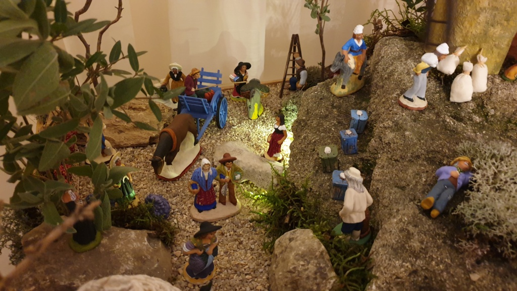 Préparation fête de Noël  16078011