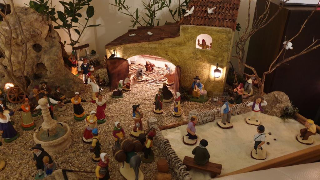 Préparation fête de Noël  16078013