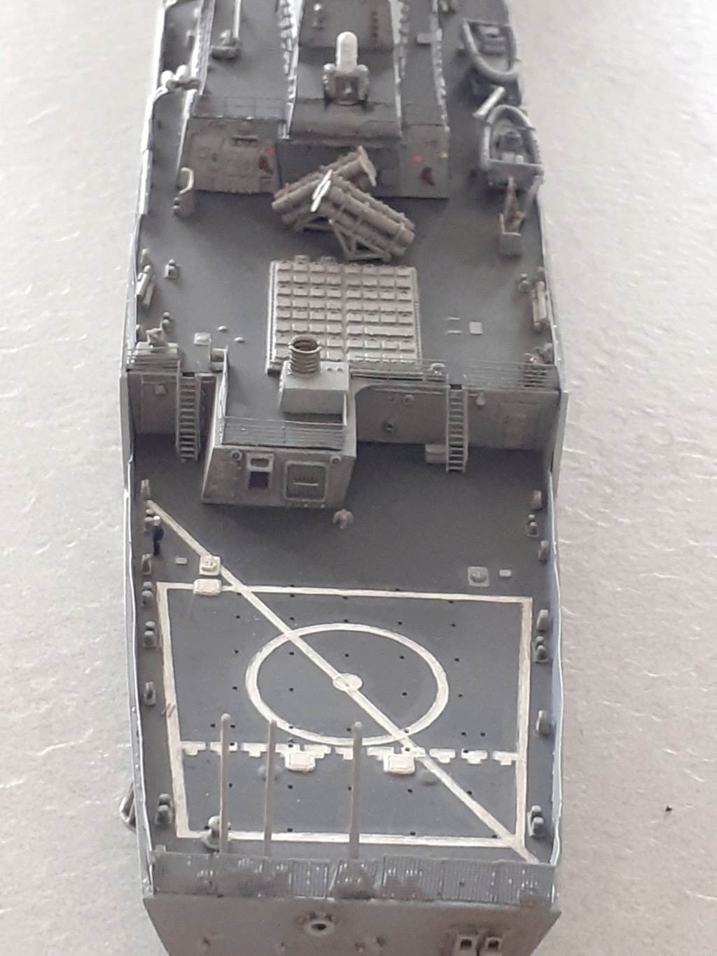 « Rapide et Craint » - Destroyer Lance Missiles USS Arleigh Burke (Trumpeter - 1/350) - Page 2 20200282